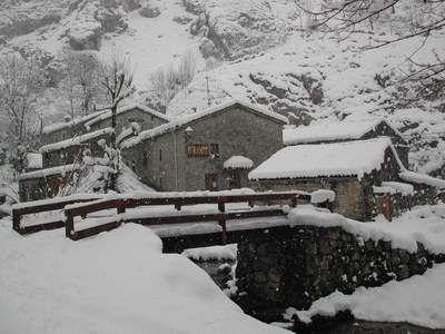 Nieve El Rexacu Hotel Rural Asturias