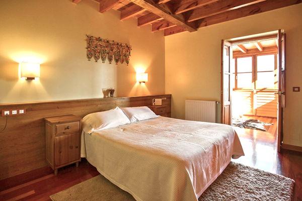 Especial Habitacion Doblerexacu Hotel Cerca De Cangas De Onisy Lagos De Covadonga