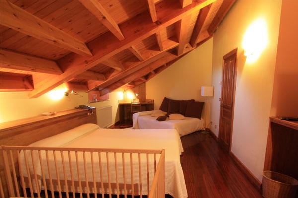 Habitacion Triple Rexacu Hotel Rural En Picos De Europa