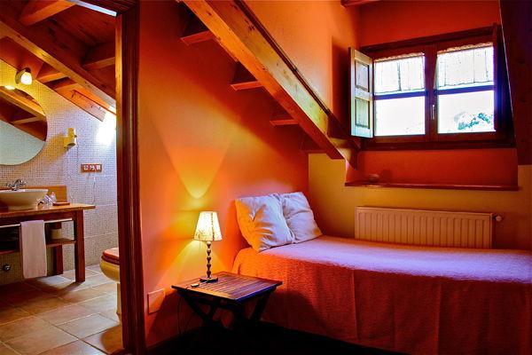 Habitacion Triple Rexacu Hotel Cerca De Cangas De Onis