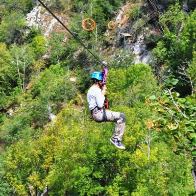 aventura picos de europa tirolinas