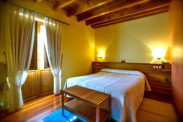 habitacion doblerexacu hotel rural en picos de europa asturias