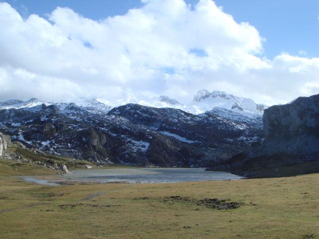 lagos de covadonga el rexacu hotel rural asturias