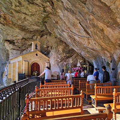 visitar covadoga si llueve en asturias